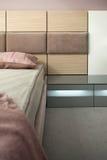 Het binnenlandse ontwerp van de slaapkamer. Elegant en luxe. Stock Foto