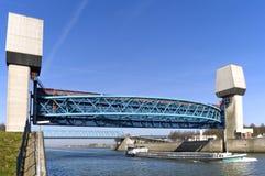 Het binnenlandse verschepen op Amsterdam-Rijnkanaal, Nederland Stock Afbeeldingen