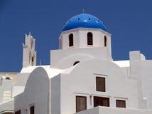 Het blauw overkoepelde Griekse Orthodoxe Kerk, Santorini Stock Afbeeldingen