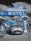Het blauw slikt Infrarood Motel, Route 66 stock fotografie