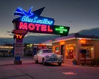 Het blauw slikt Motel stock afbeeldingen