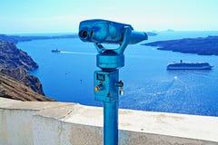 Het blauwe eiland van verrekijkerssantorini Royalty-vrije Stock Afbeeldingen
