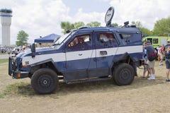 Het blauwe en Witte miilitary voertuig van Oshkosh Corp TPV Stock Afbeeldingen