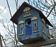 Het blauwe Huis van de Vogel Stock Foto's