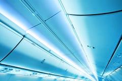 Het blauwe plafond van de glasluchthaven door Stock Foto