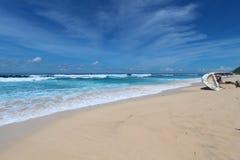 Het blauwe strand van Bali Stock Foto