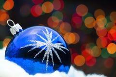 Het blauwe stuk speelgoed van Kerstmis stock afbeeldingen