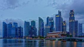 Het Blauwe Uur van de binnenstad van Singapore royalty-vrije stock foto's