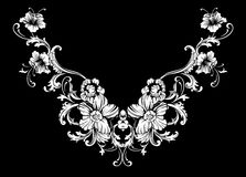 Het bloemenontwerp van het halsborduurwerk in Barokke Stijl stock afbeeldingen