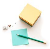 Het blok en het potlood van nota's Stock Foto