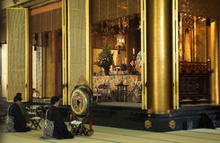 Het boeddhistische bidden van Monniken royalty-vrije stock fotografie