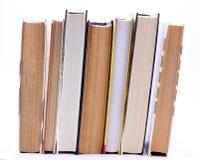 Het boek bevindt rechtop zich op een rij Royalty-vrije Stock Foto