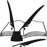 Het boek, de inktpot en de veren van het beeldverhaal (schacht) Stock Foto's