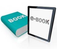Het Boek en het e-boek van af:drukken - Oud versus Nieuwe Media Stock Afbeeldingen