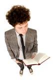 Het boek van de jonge mensenlezing Royalty-vrije Stock Afbeelding