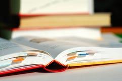 Het boek van de lezing met referenties Royalty-vrije Stock Afbeelding