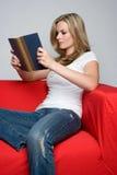 Het Boek van de Lezing van de vrouw Stock Foto