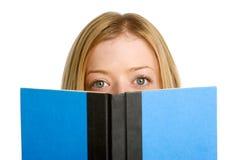 Het Boek van de Lezing van het meisje stock fotografie