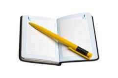 Het boek van de nota en pen Royalty-vrije Stock Foto's