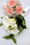 Het Boeket van de Bloem van het Huwelijk van de bruid Stock Afbeeldingen