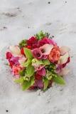 Het boeket van de bloem in zand Royalty-vrije Stock Fotografie