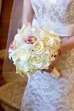 Het Boeket van de mooie Bruid Royalty-vrije Stock Fotografie