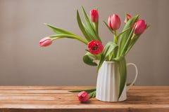 Het boeket van de tulpenbloem voor Moederdagviering Stock Afbeelding