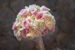 Het boeket van het huwelijk van rozen stock afbeelding