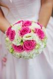 Het boeket van het schoonheidshuwelijk van rode en witte rozen royalty-vrije stock foto