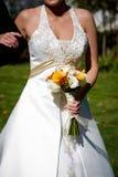 Het bloemstuk van het huwelijksboeket stock foto's