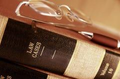 Het boekstapel van de wet stock foto's