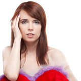 Het bont rood hart van de meisjesholding Royalty-vrije Stock Foto