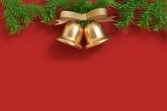 Het boom-blad van de klokkerstmis Kerstmis van achtergrondbeschikbare ruimte het tweeling gouden Kerstmis 3d teruggeven stock fotografie
