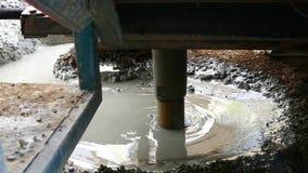 Het boorwerk, om waterboring te maken te vinden stock footage