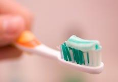 Het borstelen van de tand Royalty-vrije Stock Foto's