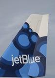 Het bosbes-geïnspireerde ontwerp van de JetBlueluchtbus A320 tailfin Stock Foto's
