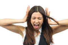 Het boze frustreerde schreeuwen van de vrouw luid gillen uit Stock Foto