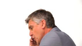 Het boze zakenman telefoneren stock videobeelden