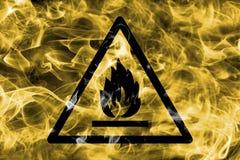 Het brandbare en brandbare teken van de de waarschuwingsrook van het materialengevaar T Stock Afbeeldingen