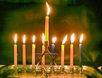 Het branden Chanoeka Aangestoken Chanukiah De Joodse Chanoeka van de Vakantie