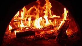 Het Branden van de brand in Open haard stock videobeelden