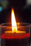 Het branden van de kaars in dark Royalty-vrije Stock Foto