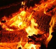 Het branden van hete sintels Stock Fotografie