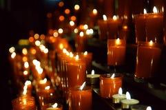 Het branden van kaarsen Stock Foto