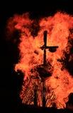 Het branden van Maslenitsa-Vogelverschrikker in avond Royalty-vrije Stock Foto
