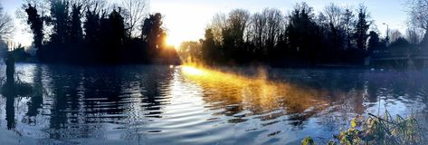 Het branden van het water royalty-vrije stock fotografie