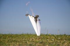 Het branden vliegtuigneerstorting Stock Fotografie