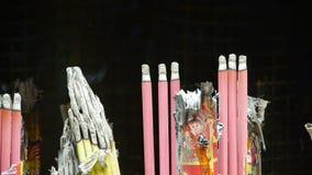 Het branden wierook in Wierookbrander, Wind van rook stock videobeelden