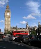 Het Brits Parlement en Verkeer royalty-vrije stock foto