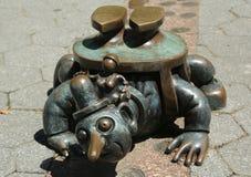 Het brons beeldhouwt bij permanent openbaar kunstwerk de Echte die Wereld door Amerikaanse beeldhouwer Tom Otterness in Rockefell Royalty-vrije Stock Foto's